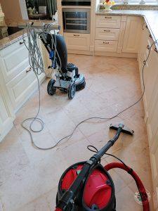 Czyszczenie marmuru - w trakcie pracy