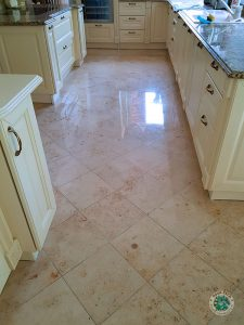 Podłoga z marmuru - polerowanie